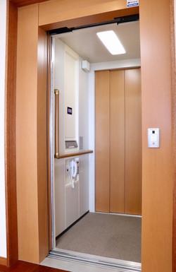 【3階 空 玄関(エレベーター)】