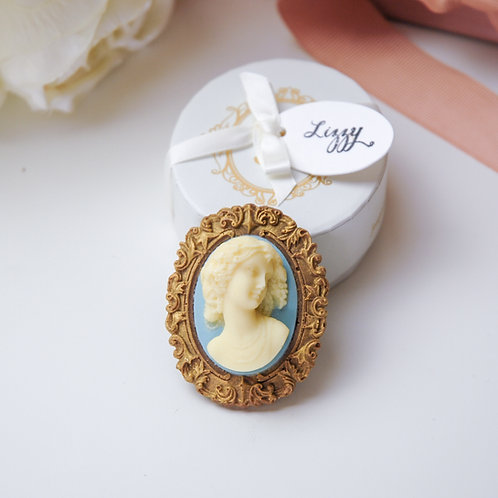 Lizzy Cameo Brooch