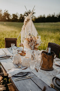 Boho-Table-Setting-Outdoor.jpg