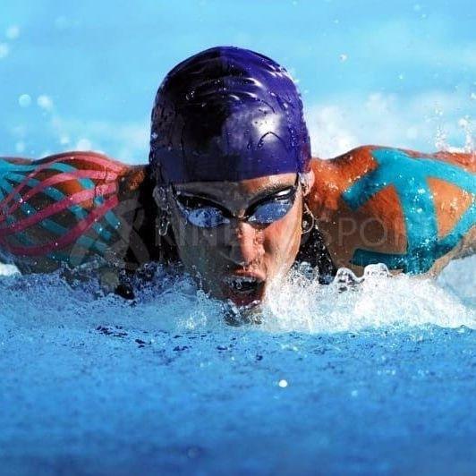 Kinesiotape en nadadores, se puede mojar, no hace falta retirarla, protegerla o taparla para bañarse o ducharse