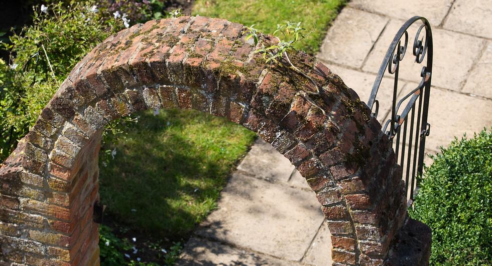 Garden arch.jpg