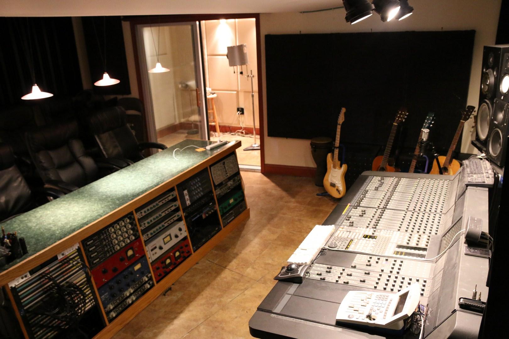 Euphonix Room