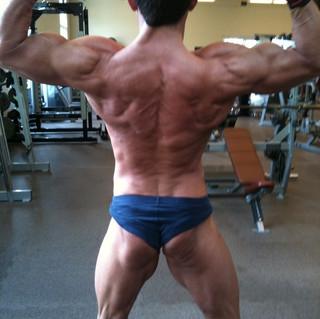 rob bodybuilding back .JPG