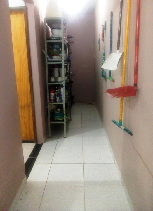 corredor para lavanderia