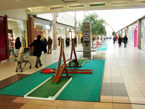 location-minigolf-centre-commercial.jpg