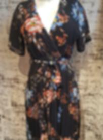 blommig-dress.png