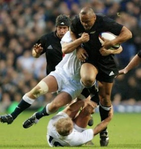 The late great Jonah Lomu, poetry in motion, power embodied and look at that spinal alignment!