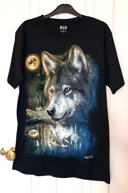 WILD Tshirts - Wolf Pack