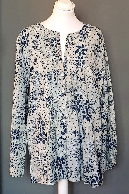 BAZAAR Blue/White Floral Patterned Buttoned Blouse