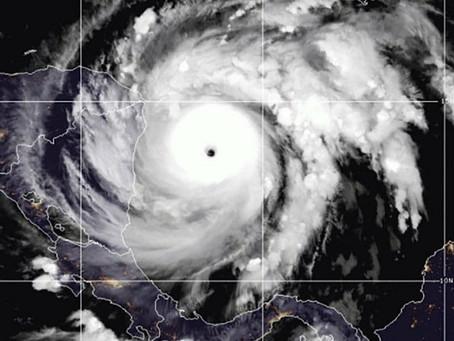"""""""Iota"""" se vuelve un monstruo de Categoría 5. Se acerca a Honduras y Nicaragua, y hay alerta máxima"""