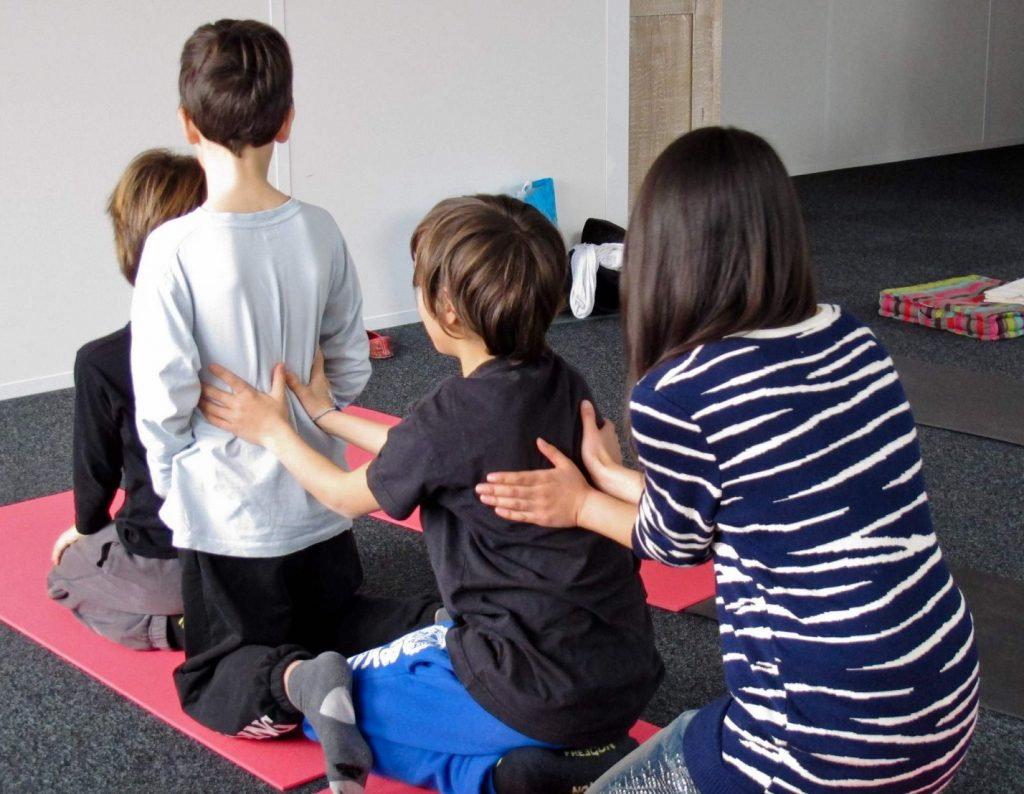 Ateliers en groupe massage parent/enfant