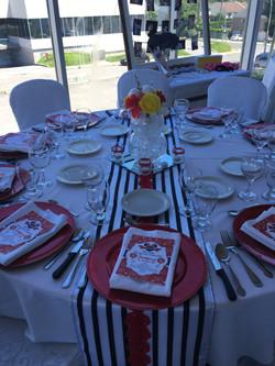 Sweet sixteen table setting