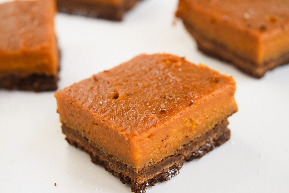 Vegan Pumpkin Pie Bars with Gingersnap Crust