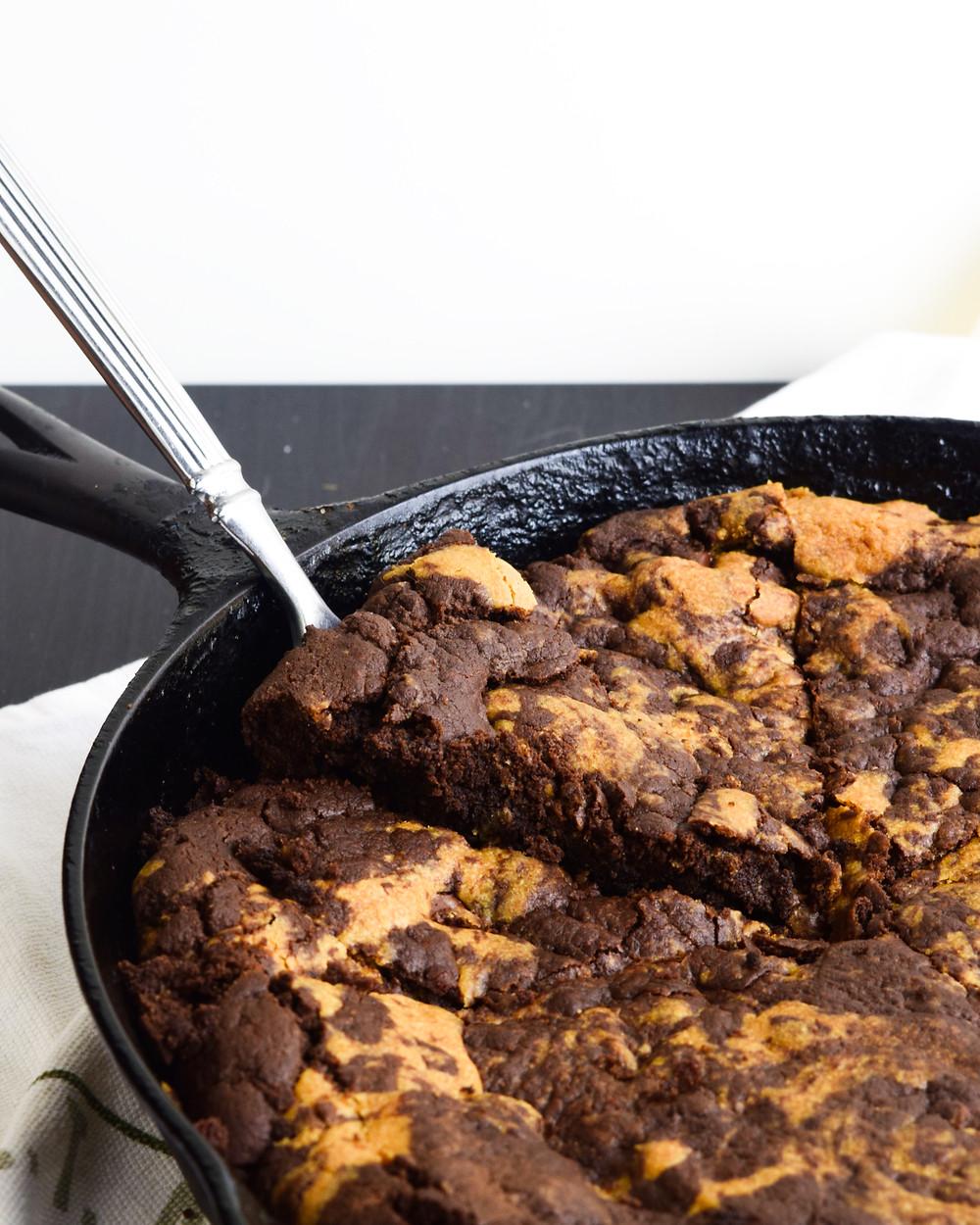 Deep Dish Skillet Brownie Cookie