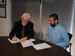Firma formal del documento de adhesión a la Plataforma