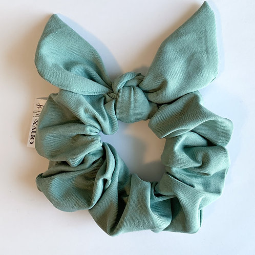 Carly Classic Bow