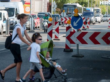 Így zárják majd le az aluljárót a körforgalom-építés másfél éve alatt