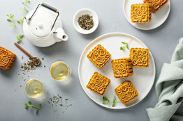 Make mooncake using milk powder by Wellshine Wellson