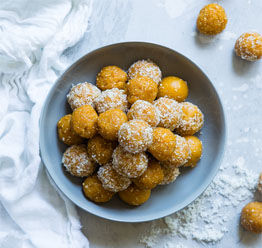 Protein balls made with coconut. 4 different flavoured Protein balls. Easy to make milk powder recipe