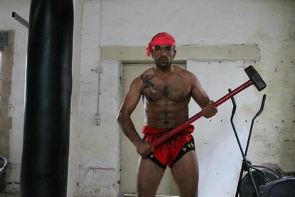 Ibo Topyürek,Training im Keller