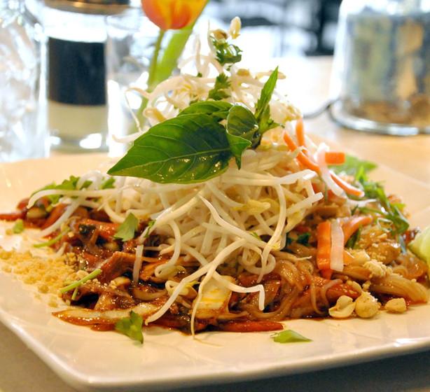 Pho Xao stir fried noodle