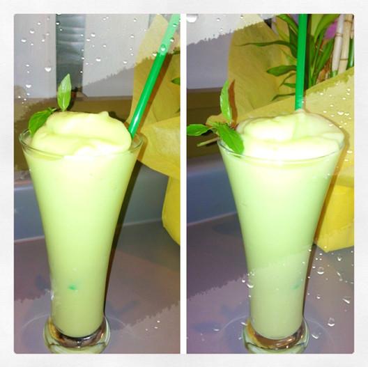 Aloe Avocado Smoothie