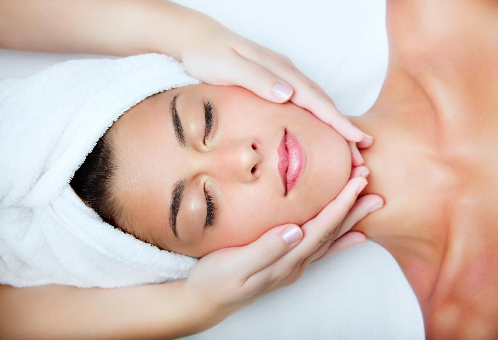Massagem relaxante facial e corporal