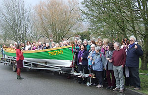 QWChoir brandishin runcible spoons round a pea-green boat
