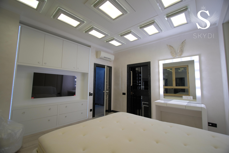 SKYDI отделка спальня потолок шкаф ТВ мягкие стены