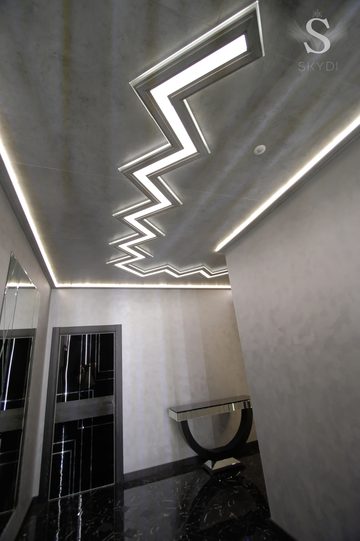 SKYDI потолок холл