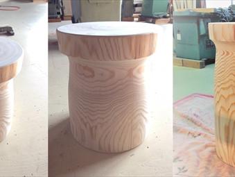 杉丸太のスツールの製作