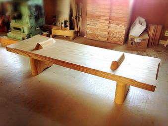 ケヤキのベンチの製作