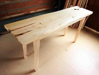捩れ脚のテーブルの製作