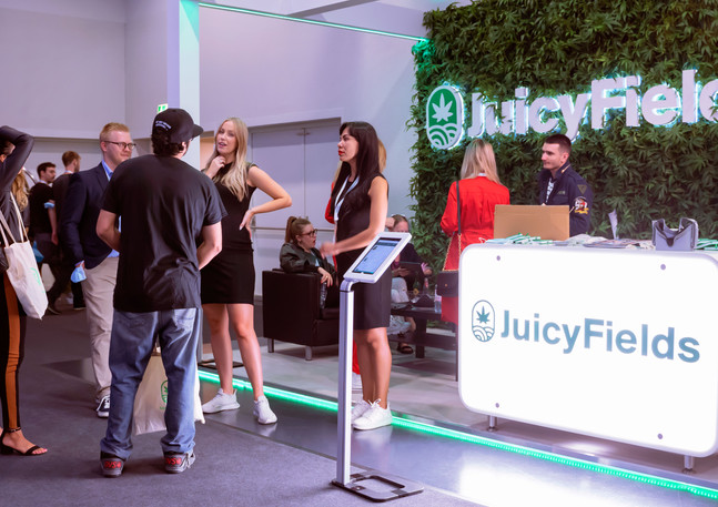 Juicy Fields trade fair show video production and photography