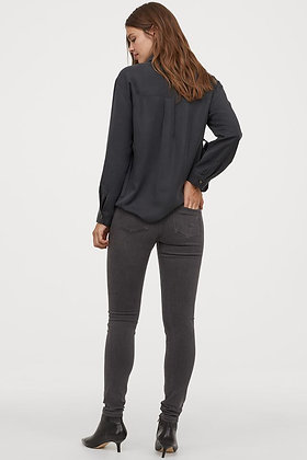 Jeans skinny negro deslavado