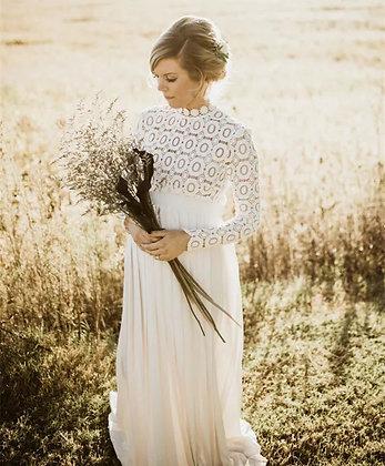 Vestido de maternidad en encaje blanco