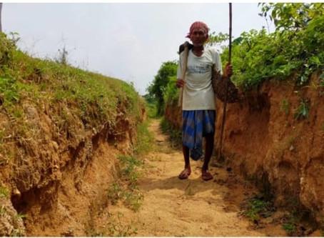 இந்திய கிராமத்திற்கு தண்ணீர் கொண்டு வர 30 ஆண்டுகளாக உழைத்த மனிதர்