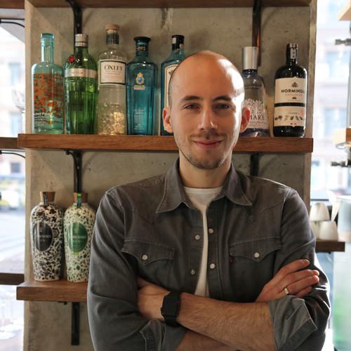 Максим Горелик – Шеф-бармен