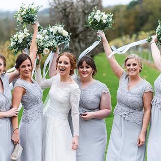 Bridesmaids! 👰🤗🥂 _dean_jones_photogra