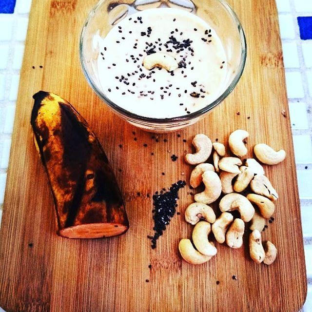 Smoothie du sportif : banae, cajou chia, lait végétal