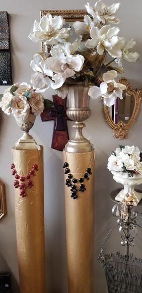 Gold pillars & florals...