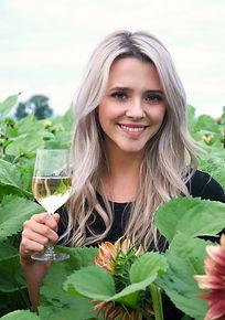 sara-cellar-hand-wine-maker-at-country-v