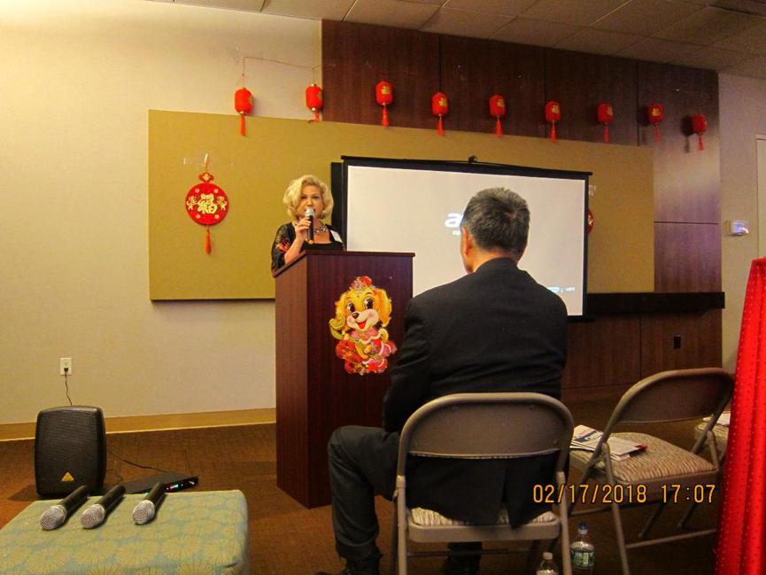 Tigress Financial Partners的创始人兼首席执行官,纽约商会会长Cynthia发表演讲。