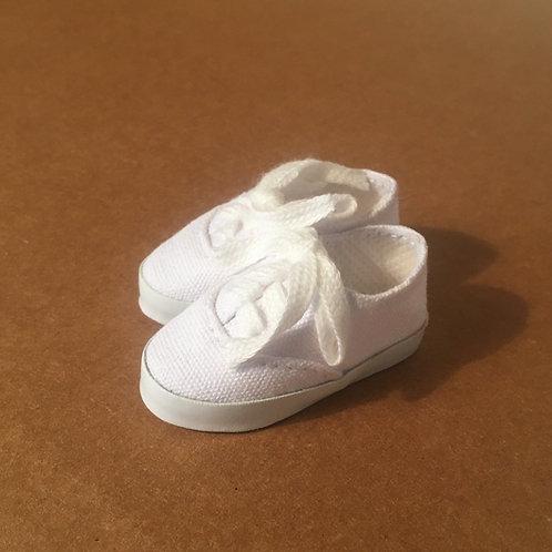 LD Plain White Tennis Shoe