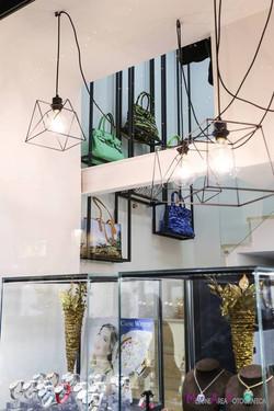 Arredo gioielleria, espositori sospesi in metallo per oggettistica e pelletteria