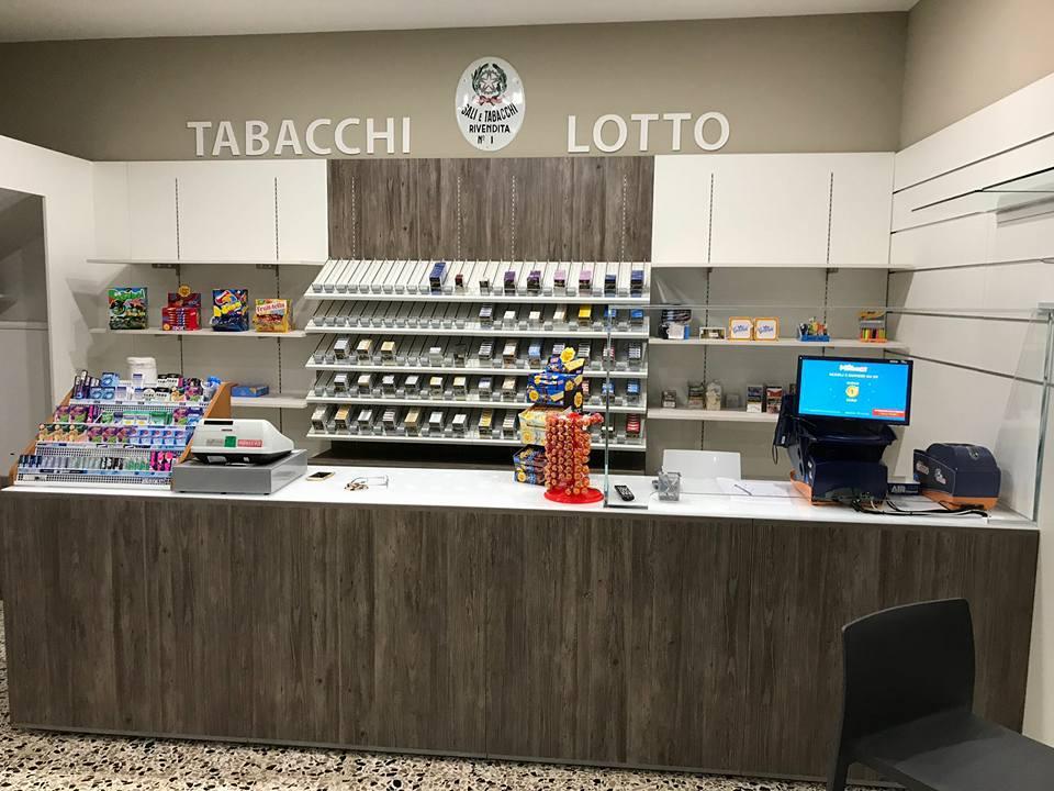 Banco tabacchi lotto, arredo modulare