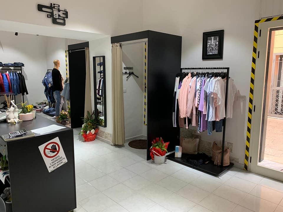 Stander abbigliamento cabine prova
