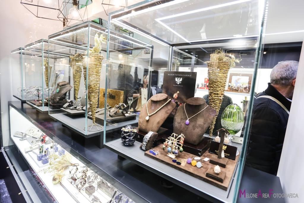 Teche illuminate esposizione gioielleria, bigiotteria, orologeria