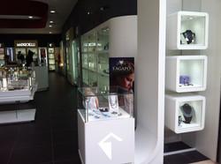 Colonna vetrina luminosa, espositore gioielleria