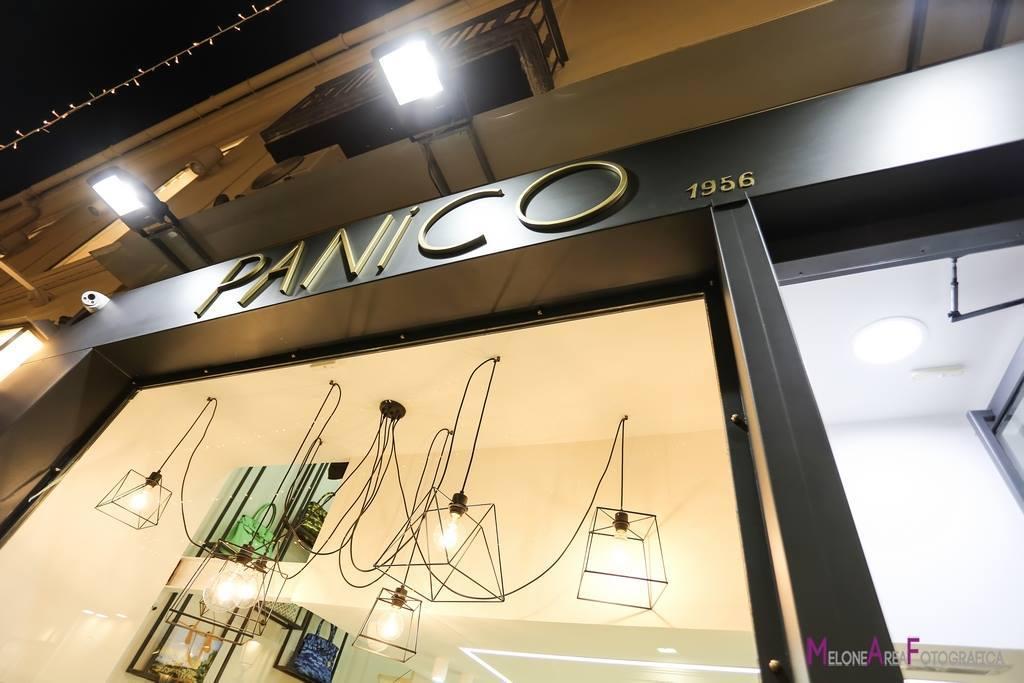 Ingresso vetrina luminosa, insegna personalizzata, negozio gioielleria